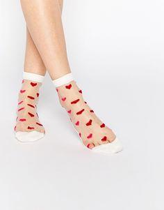ASOS – Valentines – Transparente Knöchelsöckchen mit Herzen