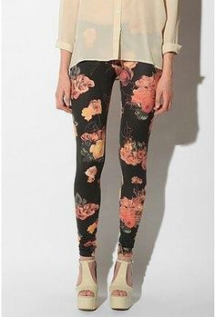 Leggins floral. |Repinned by www.borabound.com