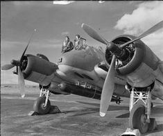 The crew of a Bristol Beaufighter Mark VIC stand by the cockpit of their aircraft. The Interim Torpedo Fighter, or Tor-beau as this version was known, is armed with a Mark XII aerial torpedo. Note the aerial camera port in the nose Bristol Beaufighter, Aircraft Photos, Ww2 Aircraft, Military Aircraft, Stirling, Lancaster, Bristol Blenheim, Aerial Camera, Ww2 Planes