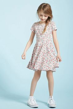 4fe6c38bfd94 Girls Floral Print Dress (Kids)  Styling with blue background. Find this  Pin and more on forever21 ...
