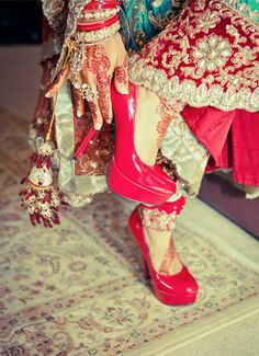 Everything related to indian fashion; whether it be bridal or casual. Desi Bride, Desi Wedding, Wedding Wear, Wedding Shoes, Wedding Bride, Big Fat Indian Wedding, South Asian Wedding, Indian Weddings, Pakistani Outfits