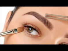 Microblading your eyebrows might seem like a brave new world, but in reality it's a treatment that could save you a lot of time. Here's everything you need to know about microblading your brows. Eyebrow Tinting, Eyebrow Pencil, Eyebrow Makeup, Korean Eyebrows, Eyebrow Growth Oil, Eyebrow Extensions, Eyebrow Trends, Nailart, Eyebrow Embroidery