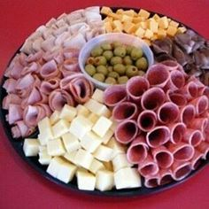 Food Snacks Salty - - Food Cravings Meaning - Party Platters, Party Trays, Snacks Für Party, Birthday Party Snacks, Fruit Snacks, Fruit Smoothies, Meat And Cheese Tray, Meat Trays, Food Trays