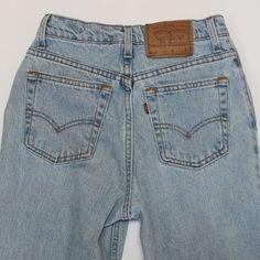 Levis 512 USA Slim Fit High Waist Tapered Jeans 7 S Vintage 26 waist  Levis abda38f76a