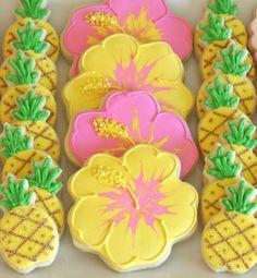 Pina Colada – Pineapple Party Ideas #pineapple #partyideas #party #pinacolado #decorations #tropicaltheme #tropicalparty