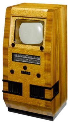 A John Logie Baird Ltd 'Lyric' Television