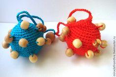 Купить Слингоигрушка погремушка тактильный шарик - тёмно-синий, слингоигрушка, слингоигрушки, погремушка, погремушка вязаная