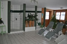 Ruheraum im Saunabereich Sauna, Divider, Room, Furniture, Home Decor, Small Hotels, Relaxing Room, Bedroom, Decoration Home