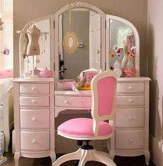 Makeup Vanity ♥ ♥ ♥ I WANT!! But I want it to be all chic and shiny <3
