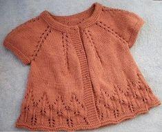 O jacheta tricotata, recomandata pentru diminetile si serile de vara