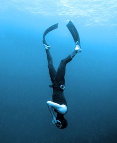Constant equalizing of freediving Swimming Photography, Underwater Photography, Deep Photos, Cool Photos, Le Grand Bleu, Open Water Swimming, Delphine, Gap Year, Koh Tao