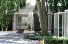 Eero Saarinen's Miller House - entrance