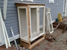 My Pen Outputs: Own Hand Greenhouse Cabinet from old windows Diy Greenhouse Plans, Greenhouse Gardening, Back Gardens, Outdoor Gardens, Cold Frame, Farmhouse Remodel, Garden Cottage, Outdoor Living, Outdoor Decor