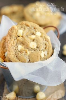 insanely delicious Brown Butter White Chocolate Macadamia Nut Cookies are guaranteed to be a new favorite! Super easy to make and mouth watering good! This easy cookie recipe is one you will find yourself making over and over. // Mom On Timeout Funfetti Cake Mix Cookies, Chocolate Cake Mix Cookies, Chocolate Biscuits, Cupcakes, Lemon Cookies, Delicious Desserts, Dessert Recipes, Yummy Food, Delicious Chocolate