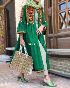 Pakistani Fashion Casual, Iranian Women Fashion, Pakistani Dresses Casual, Abaya Fashion, Muslim Fashion, Modest Fashion, Fashion Dresses, Street Hijab Fashion, Girl Fashion