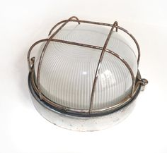French Vintage Industrial lighting - 1950s. €50.00