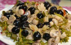 Echipa Bucătarul.eu vă oferă 2 rețete delicioase de salate de post, care pot fi servite chiar și pe masa de sărbătoare. Deși sunt simplu și ușor de realizat, aceste salate sunt originale și arată foarte frumos. Salatele de post sunt considerate dietetice și hipocalorice, de aceea pot fi savurate oricând. Acestea ajută la detoxifierea organismului și pierderea kilogramelor în plus. Savurați-le cu plăcere! 1. Salată de post cu ciuperci și măsline INGREDIENTE -250 g de ananas conservat (4… Tasty, Yummy Food, Healthy Salad Recipes, Coleslaw, Fruit Salad, Pasta Salad, Recipies, Food And Drink, Easy Meals