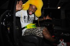   Lil Wayne Rocks A Neon Fanny Pack With Leopard Shorts And Giant Yellow ...