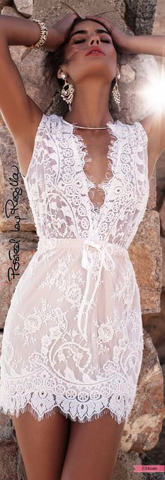 25 super ideas for dress lace white boho chic Beauty And Fashion, White Fashion, Look Fashion, Gypsy Fashion, Gq Fashion, Beach Fashion, Grunge Fashion, Outfits With Hats, White Outfits