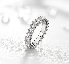 Zeina Alliances : Nouveautés 2017. Bague IMA : Tour complet Diamant. #Zeinaalliances #zeinaworld #alliance #mariage #diamants Tour, Silver Rings, Delaware, Comme, Jewelry, Yellow, Jewerly, Walking, Management