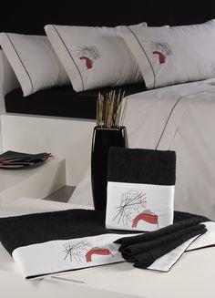 juegos de cama y toallas coordinadas y bordadas con detalles orientales
