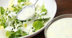 Joghurtos salátaöntet recept: Egy egyszerű, és gyors joghurtos salátaöntet recept, amit bármikor elkészíthetsz! Nagyon finom, és bármilyen salátához tökéletesen passzol. Készíts mennyei salátát tartósítószer, és mesterséges anyagok nélkül! ;) Hungarian Recipes, Hungarian Food, Salad Dressing, Pesto, Cantaloupe, Potato Salad, Side Dishes, Goodies, Fruit