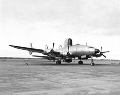 The second U.S. Navy Lockheed WV-1 Warning Star (BuNo 124438) of airborne early warning squadron VW-1 Typhoon Trackers at Naval Air Station Barbers Point, Oahu, Hawaii (USA), in December 1952.