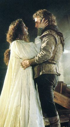 Mary Elizabeth Mastrantonio as Maid Marian (Robin Hood: Prince of Thieves, 1991).  Loved her hair in this movie, so gorgeous!  I get thrilled anytime I see a movie character portrayed with beautiful curls, because it's such a tragically rare occurrence.  (from blog Medieval Muse: Dresses & Tresses series)
