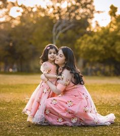To get your baby outfit customized visit us at Srinithi In Style Boutique Madinaguda Hyd WhatsApp/Call Mom Daughter Matching Dresses, Mom And Baby Dresses, Mom And Baby Outfits, Twin Outfits, Kids Outfits, Mom Daughter Photography, Mom Qoutes, Twin Girls, Stylish Baby