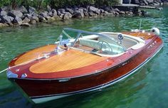Looking for a power boat? Choose from over used power boats. From motor yachts to fishing boats. Wooden Speed Boats, Wooden Model Boats, Riva Boot, Chris Craft Boats, Boat Design, Yacht Design, Runabout Boat, Classic Wooden Boats, Cabana