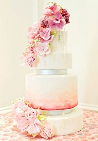 Luxury Ombre Wedding Cake with sugar flowers Beautiful Wedding Cakes, Gorgeous Cakes, Pretty Cakes, Amazing Cakes, Perfect Wedding, Naked Cakes, Bolo Cake, Tier Cake, Wedding Cake Inspiration