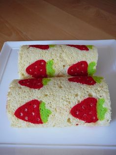 strawberr cake roll