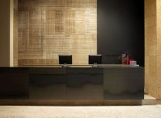 gold textured walls against matt and gloss black - Glenn Sestig