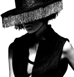 Editorial moda   #photo #fashion #editorial #Barcelona #foto #moda #editorial #hugosalazar ✸✸Hugo Salazar Photographer / Hugo Salazar Fotógrafo ✸✸ para ver más fotos visita / more photos in http://www.hugosalazar.co.uk/