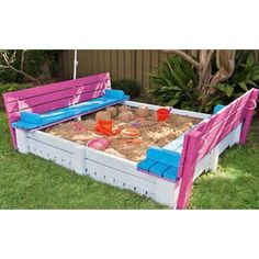 *For the grandchildren!    Outdoor Furniture Pallet DIY Projects - The Cottage Market