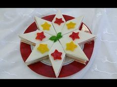 Stella di Natale di tramezzini, ricetta sfiziosa e d'effetto scenografico - YouTube Christmas And New Year, Christmas Eve, Xmas, Christmas Cookies Gift, Cookie Gifts, Antipasto, Holidays And Events, Catering, Food And Drink