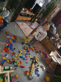 Die schönste Zeit ist die Spielzeit mit LEGOⓇ DUPLOⓇ! Teilnehmer vom Gewinnspiel LEGOⓇ DUPLOⓇ und Echte Mamas Lego Duplo, Social Behavior, Games, Nice Asses, Lego Duplo Table