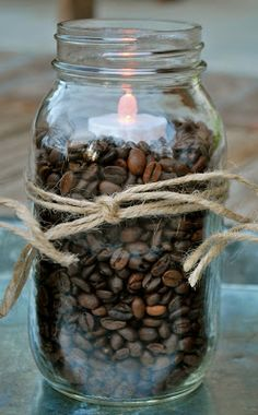 Coffee Beans, Mason Jars, and flicker light .the heat from candle warms the coffee beans and your room smells great.ALSO, decorate the outside of the jar with beautiful leaves Mason Jars, Pot Mason, Mason Jar Crafts, Mason Jar Lanterns, Jar Candles, Cafe Geek, Pot Pourri, Candle Warmer, Vase Fillers
