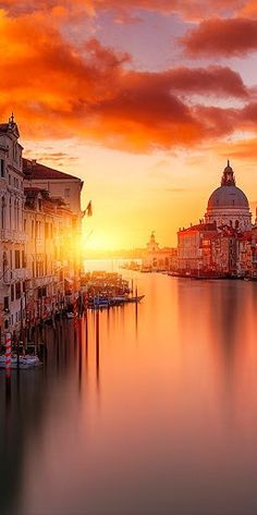 #Sunset in #Venice #Italy http://en.directrooms.com/hotels/subregion/2-31-182/