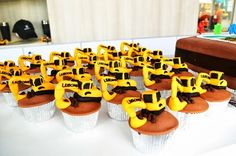 LiuGong Excavator Cupcakes Third Birthday Boys, Boy Birthday, Birthday Cakes, Theme Parties, Party Themes, Party Ideas, Digger Party, Construction Party, Heart For Kids