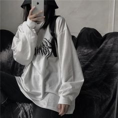grunge no face mirror selfie, korean grunge aesthetic Grunge Outfits, Edgy Outfits, Retro Outfits, Korean Outfits, Grunge Fashion, Vintage Outfits, Cool Outfits, Fashion Outfits, Korean Ootd