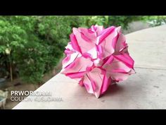 Use 30 rectangle sheets of origami paper. True Wallet, Origami Diagrams, Origami Instructions, Paper Stars, Origami Paper, Paper Size, Make It Yourself, Flowers, Pink