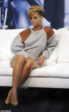 Rihanna: Backstage Beauty: Photo Rihanna gets interviewed backstage in an Alexander Wang sweatshirt dress and Louboutin pumps after performing at the Pepsi Super Bowl Fan Jam Concert in Miami Beach,… Black Girls Hairstyles, Cute Hairstyles, Rihanna Hairstyles, Short Hair Cuts, Short Hair Styles, Short Pixie, New Hair, Your Hair, Sassy Hair