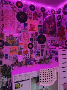 Indie Bedroom, Indie Room Decor, Cute Bedroom Decor, Room Design Bedroom, Aesthetic Room Decor, Room Ideas Bedroom, Bedroom Inspo, Craft Room Decor, Bedroom Small