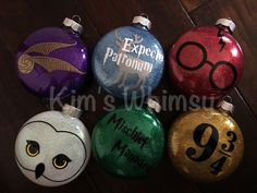 Image result for harry potter ornaments Harry Potter Christmas Decorations, Harry Potter Ornaments, Harry Potter Christmas Tree, Hogwarts Christmas, Noel Christmas, Diy Christmas Ornaments, Holiday Crafts, Harry Potter Crafts Diy, Decorating Ornaments