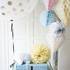 Honey Comb Paper Balls by Miss Étoile I The ICONIST #pastel #homedecoration http://www.iconist.de/honey-comb?wt_mc=P