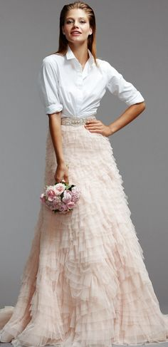 Braut Mode Trends - Eine lässige Bluse in Kombination mit einem märchenhaften . Two Piece Wedding Dress, Wedding Skirt, Wedding Dresses 2014, Wedding Gowns, Wedding Attire, Wedding Entourage, Ivory Wedding, Wedding Bridesmaids, Party Dresses