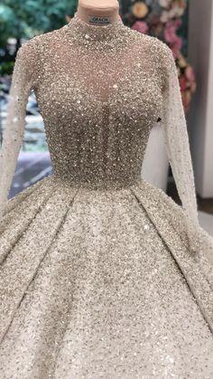 - New Ideas (notitle) Muslimah Wedding Dress, Hijab Wedding Dresses, Bridal Skirts, Wedding Dress Trends, Quinceanera Dresses, Dream Wedding Dresses, Bridal Gowns, Prom Dresses, Dresses Elegant