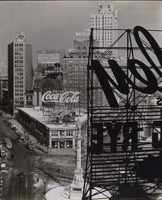 columbus circle nyc 1938 : berenice abbott