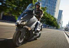 Yamaha TMAX 530 ...the best way to get to work
